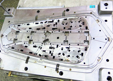 China Plastic injection mold with PP material, the parts used in the Automobile field. supplier