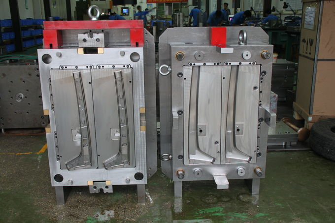 Automotive Decoration Panel of Plastic Injection Mold with 2 cavities